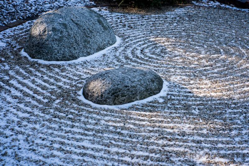 Snow-Gravel-2