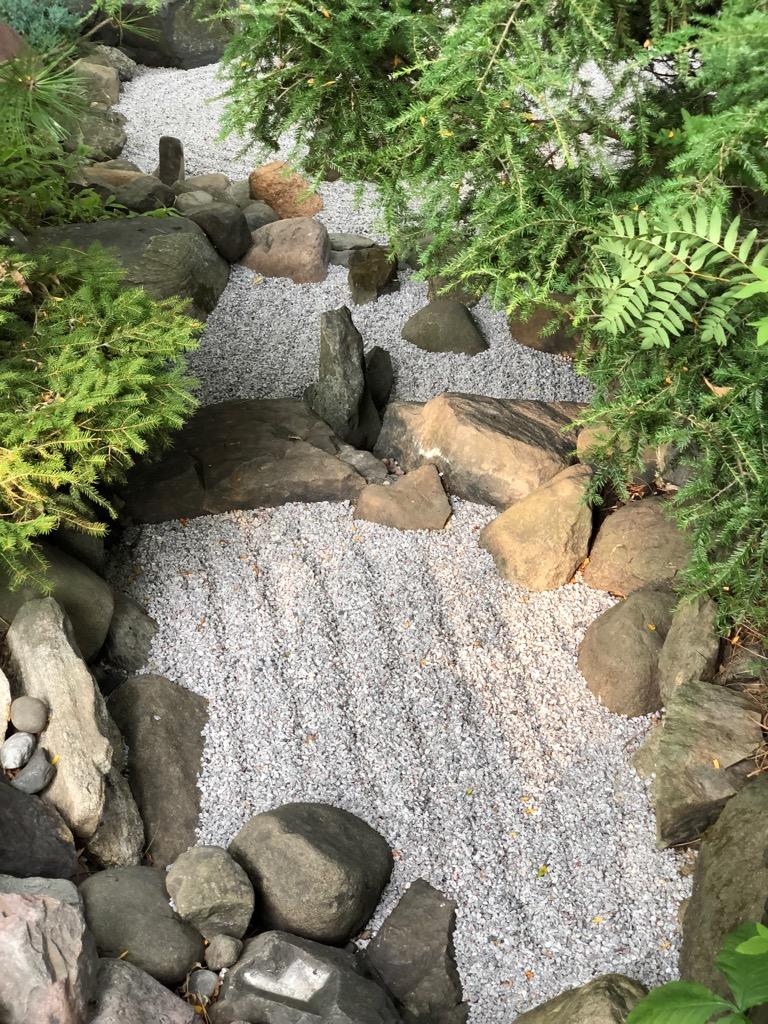 Stream raked grael